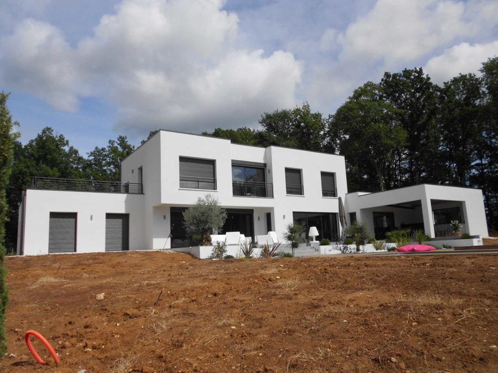 Maison neuve aux environs de Gourdon